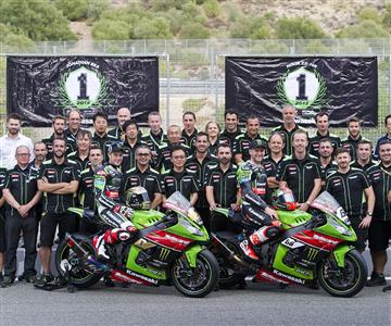 Weltweite Erfolge für Kawasakiund SBK Krone fürJonathan Rea