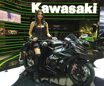 motorr der von kawasaki. Black Bedroom Furniture Sets. Home Design Ideas