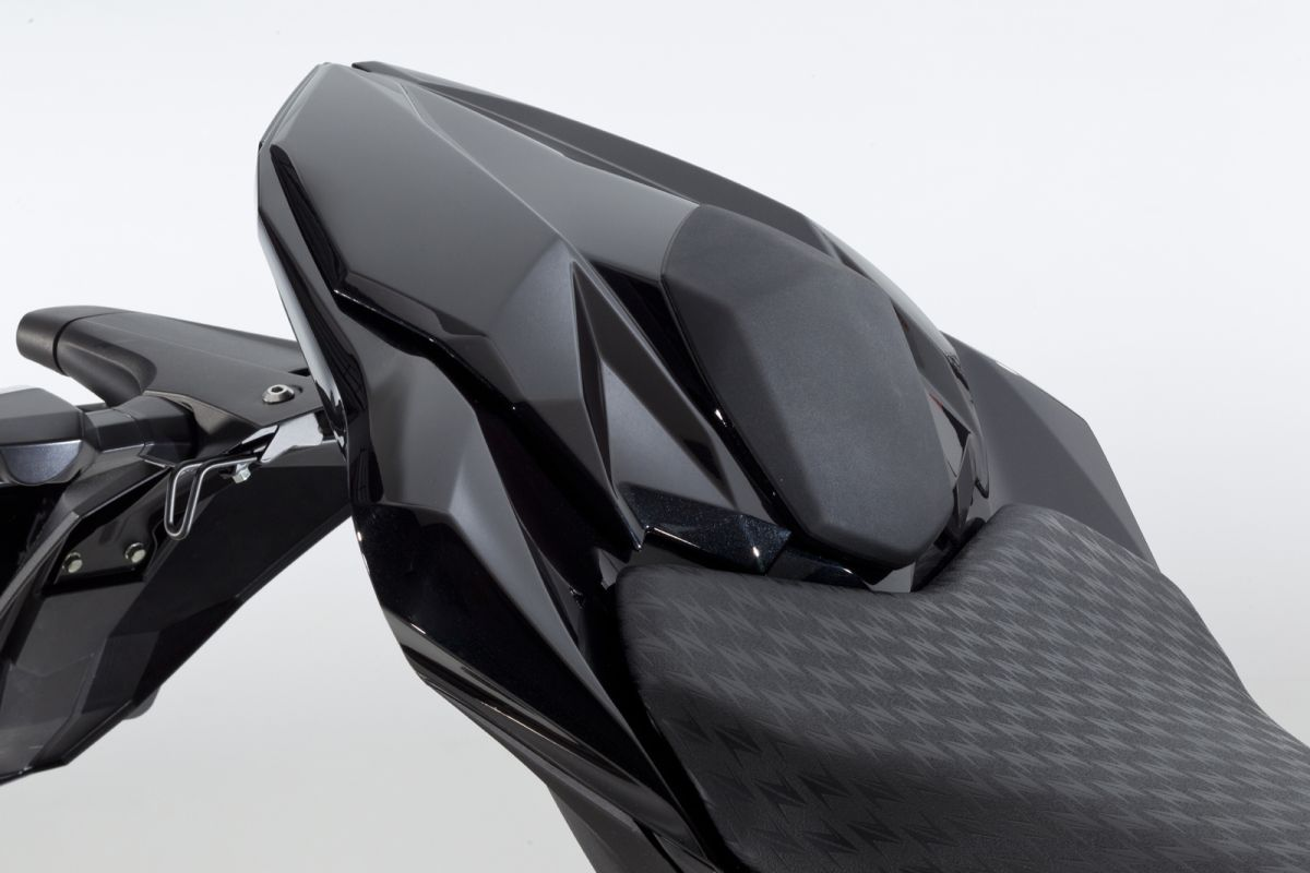 kawasaki motors europe n v motorcycles racing and accessories. Black Bedroom Furniture Sets. Home Design Ideas