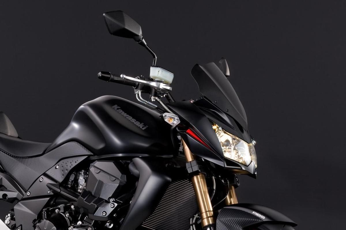 Z750R Black Edition Windshield