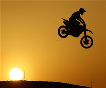 Gautier Paulin leadsthe world after victory in Qatar