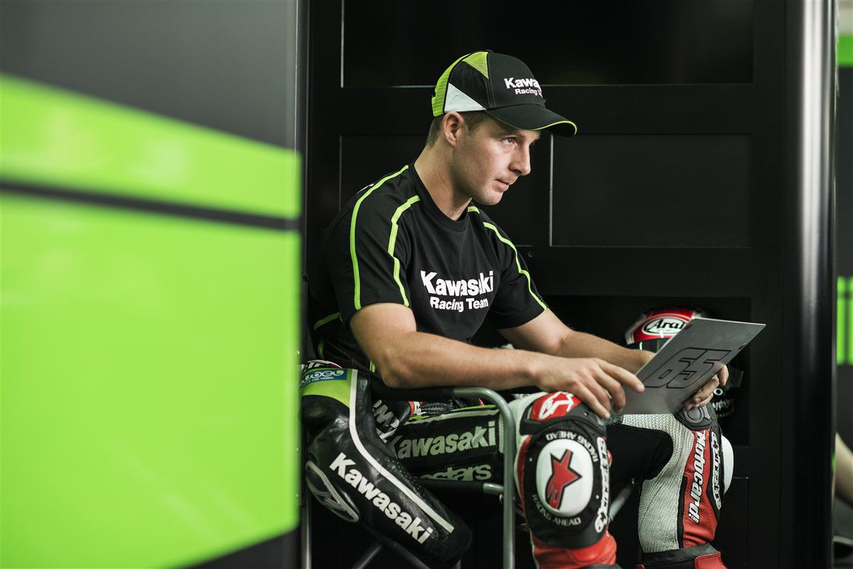 Neue Kawasaki Racing Team und Tom Sykes Kollektion