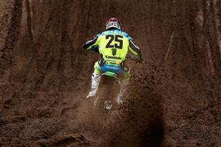 Clement Desalle maintains his challenge