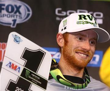 Kawasaki confirme l'engagement de Ryan Villopoto en championnat du monde de motocross 2015 dans la catégorie MXGP.