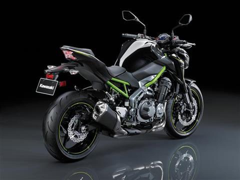 8 November 2016 Kawasaki Prasentiert Mit Der Z900 Ein Neues Naked Bike