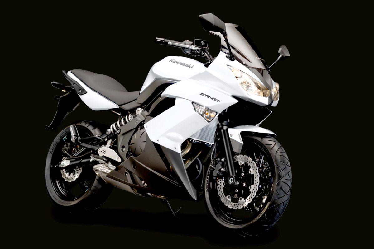 Kawasaki Erf White