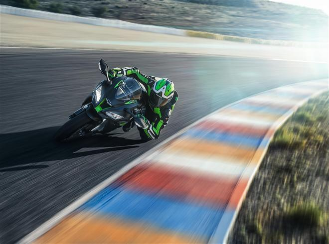 Ninja ZX-10R SE arrives for 2018 with electronic semi-active suspension