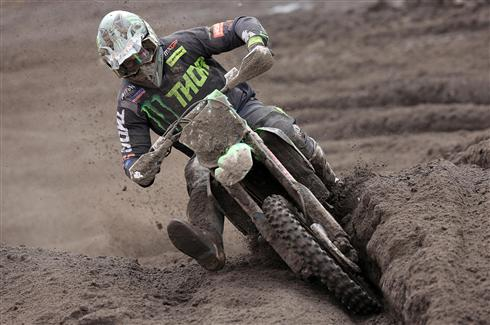 Clement Desalle stays third