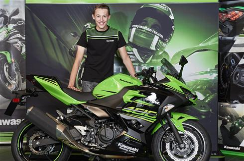 Kawasaki signs young racing talent Robert Schotman